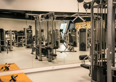 Športni-pod-v-Fit-Floor-fitnes-studiu